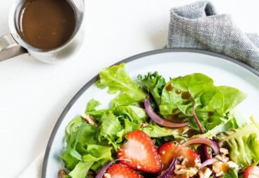 Cook With Us – Strawberry Salad With Balsamic Vinaigrette